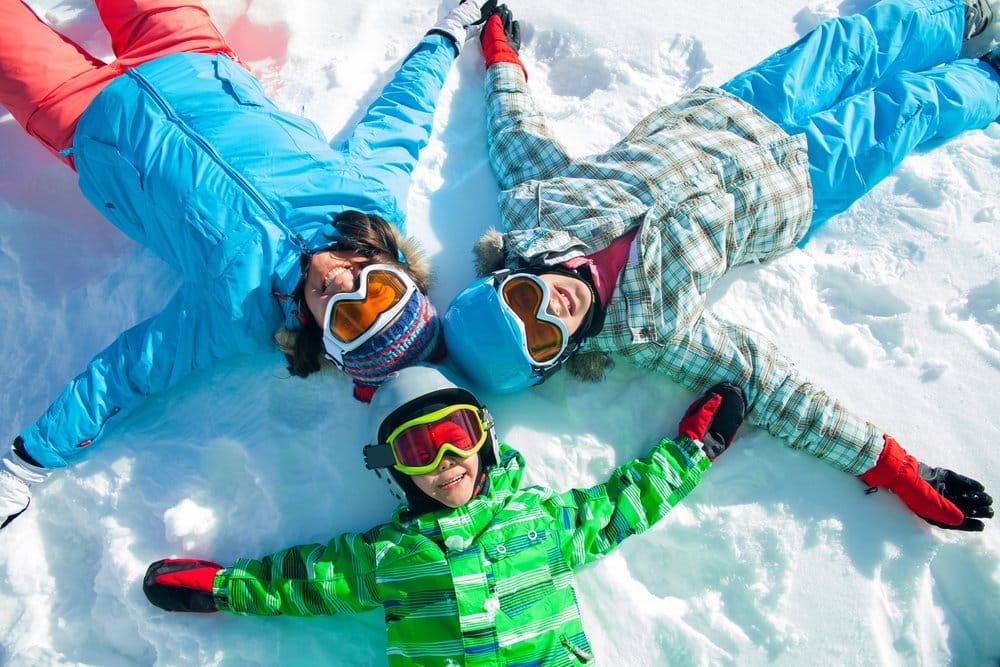 ski family_174938534