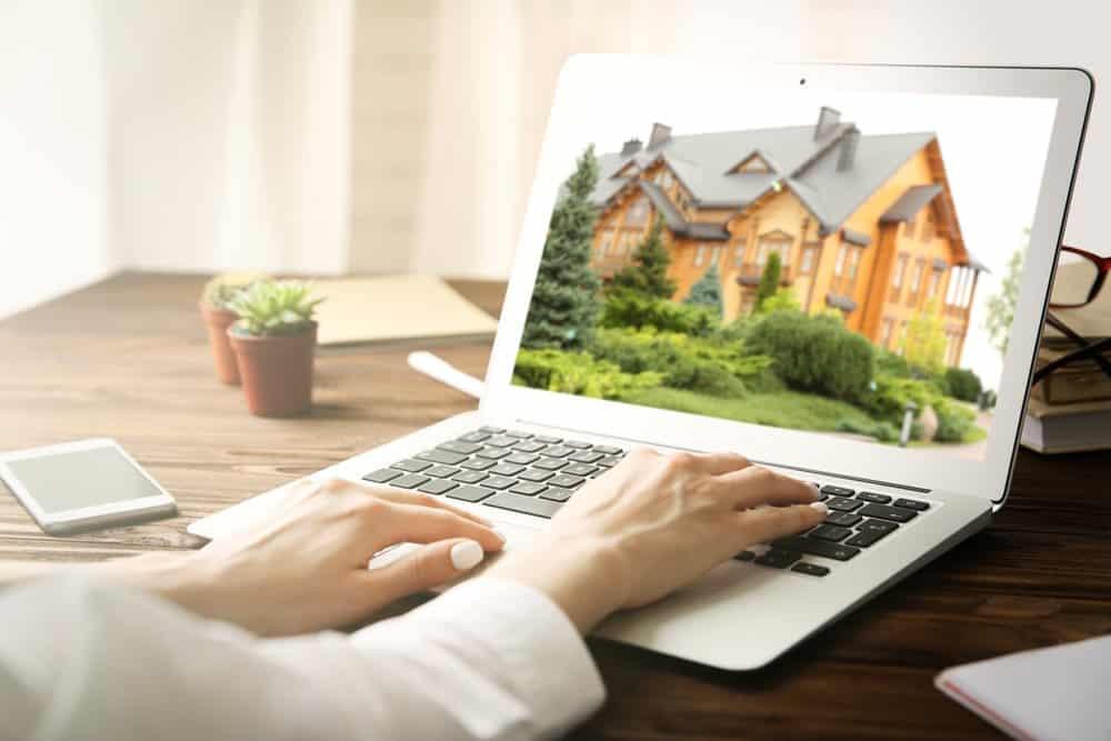 airbnb website marketing